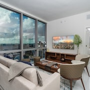 Elite Sky Tower Miami - New Luxury Condo With Soccer Field & Boxing Ring