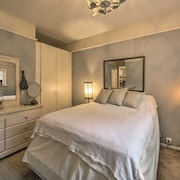 The Butterfly & Nautical Room Apartment Suite at the Forest Farmstead