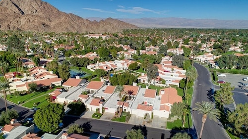 Santa Rosa Cove #48 - Greenbelt: 3 BR, 3.5 BA Condominium in La Quinta, Sleeps 6