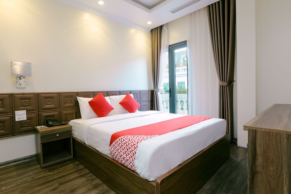 Featured Image, OYO 562 Halong Legend Hotel