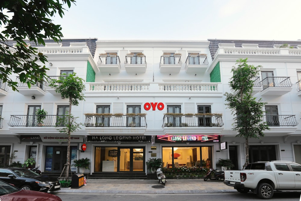 Front of Property, OYO 562 Halong Legend Hotel