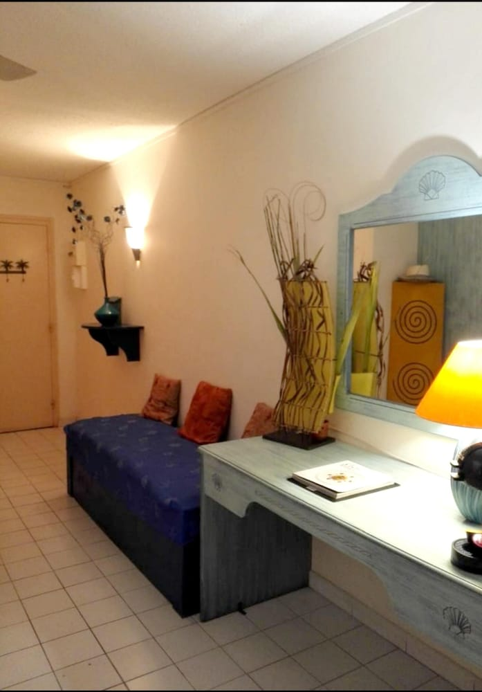 Room, Apartment With one Bedroom in Le Moule, With Wonderful sea View and Enclosed Garden - 500 m From the Beach