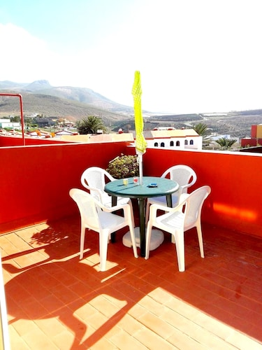 Apartment With 3 Bedrooms in Gáldar, With Wonderful sea View, Terrace and Wifi - 120 m From the Beach