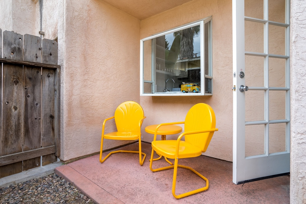 Terrace/Patio, WanderJaunt | Emerald St Townhomes
