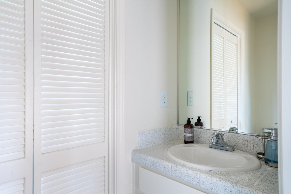 Bathroom Sink, WanderJaunt | Emerald St Townhomes