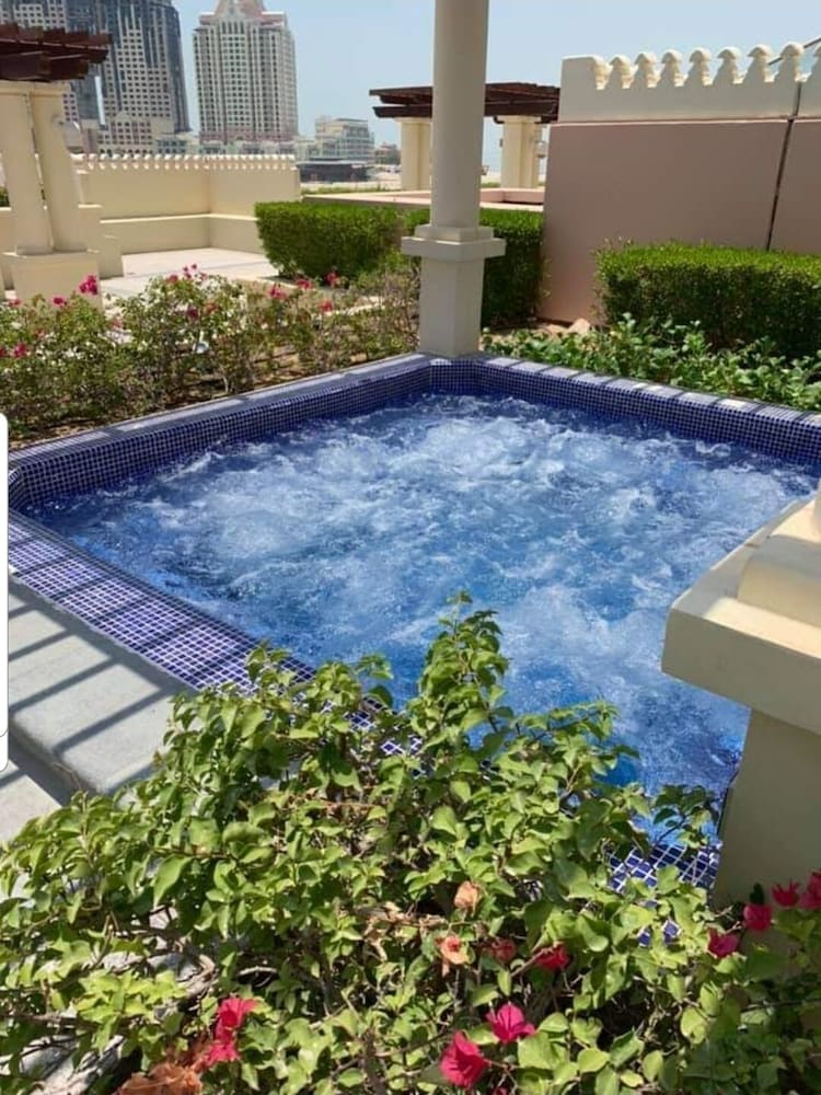 Pool, One bedroom viva bahriya with spacious living