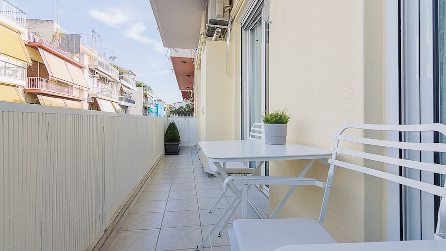 Spacious 3 Bedroom Apartment in Thessio