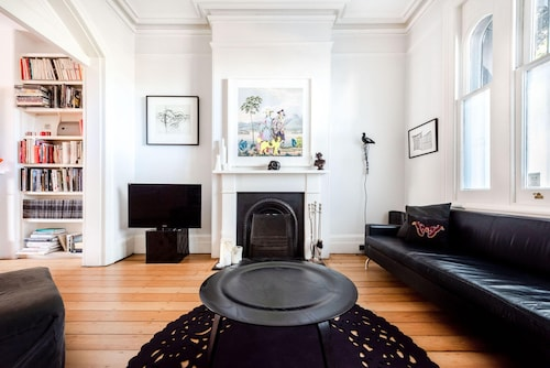 Surry Hills Gem by Onefinestay