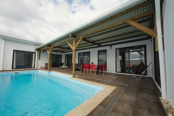 Villa With 4 Bedrooms in Pointe aux Sables, Port Louis, With Private Pool, Enclosed Garden and Wifi - 800 m From the Beach