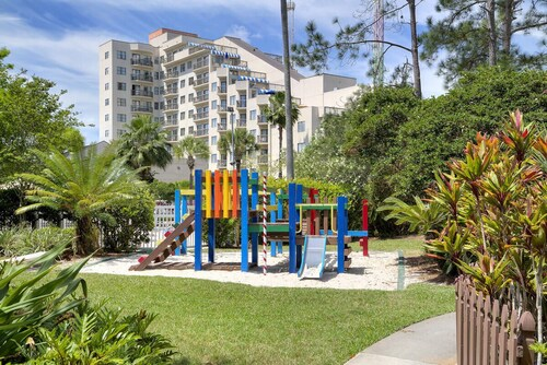 2 BR Resort IN Perfect Location Near Universal