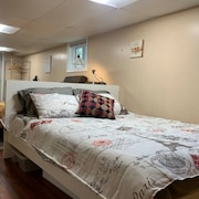 Cozy Home by the City Free Parking Hi Speed Wifi Comfortably Sleeps 4 Smart TV