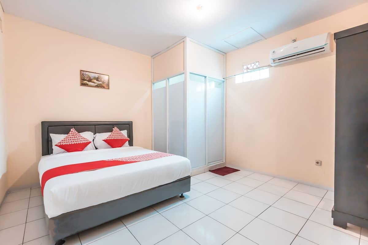 Oyo 1868 J B Room Pramuka 2021 Room Prices Deals Reviews Expedia Com