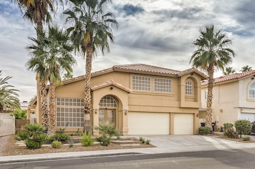 Amazing House Very Close to Airport & The Strip!!!