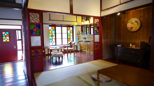 A Touch of Zen ─ A Restored Japanese Colonial Era Guest House