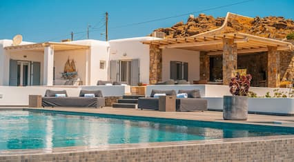 Beautiful Myconian Villa With an Infinity Pool and Mesmerizing 180º View