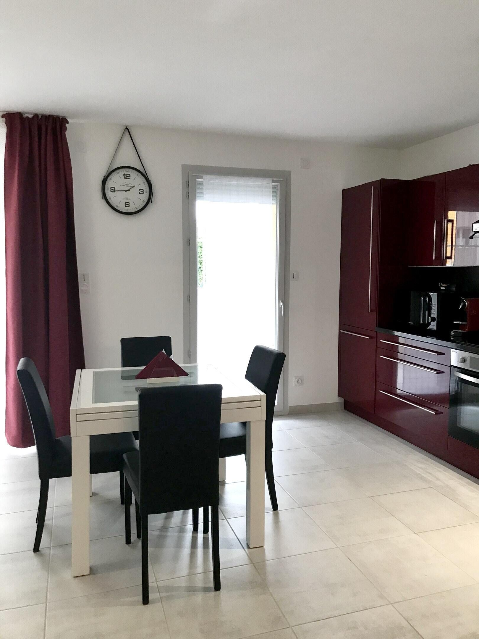 Apartment With 2 Bedrooms In Ferney Voltaire With Wonderful City View Furnished Garden And Wifi Precos Promocoes E Comentarios Expedia Com Br