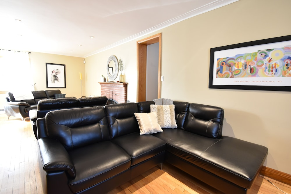 Living Room, Longueuil: House of Character