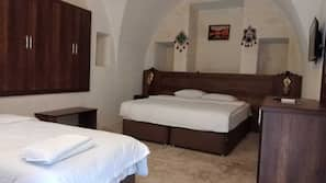 Egyptian cotton sheets, premium bedding, minibar, free WiFi