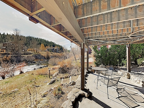 Riverside Suite In Downtown Truckee Craftsman 1 Bedroom Apts
