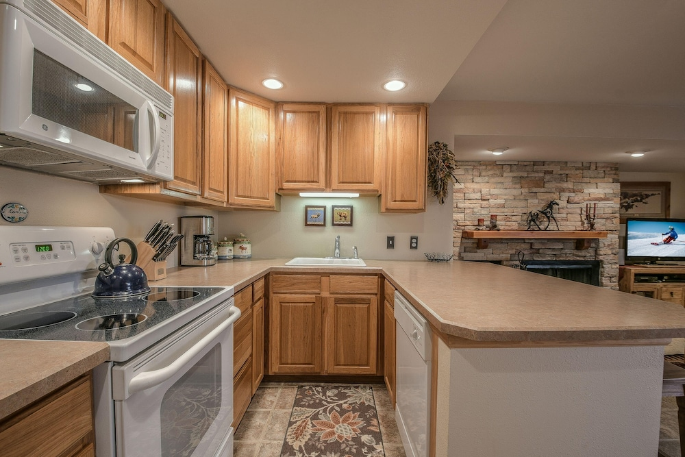 Private Kitchen, Wild Irishman 1052