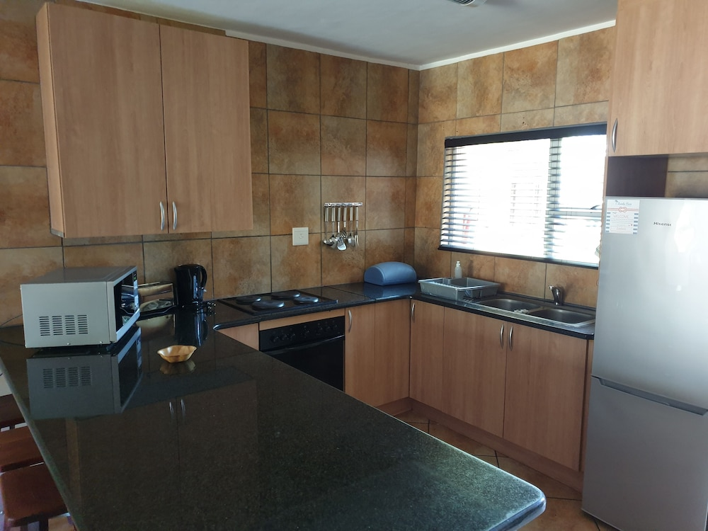 Private Kitchen, Sandy Place