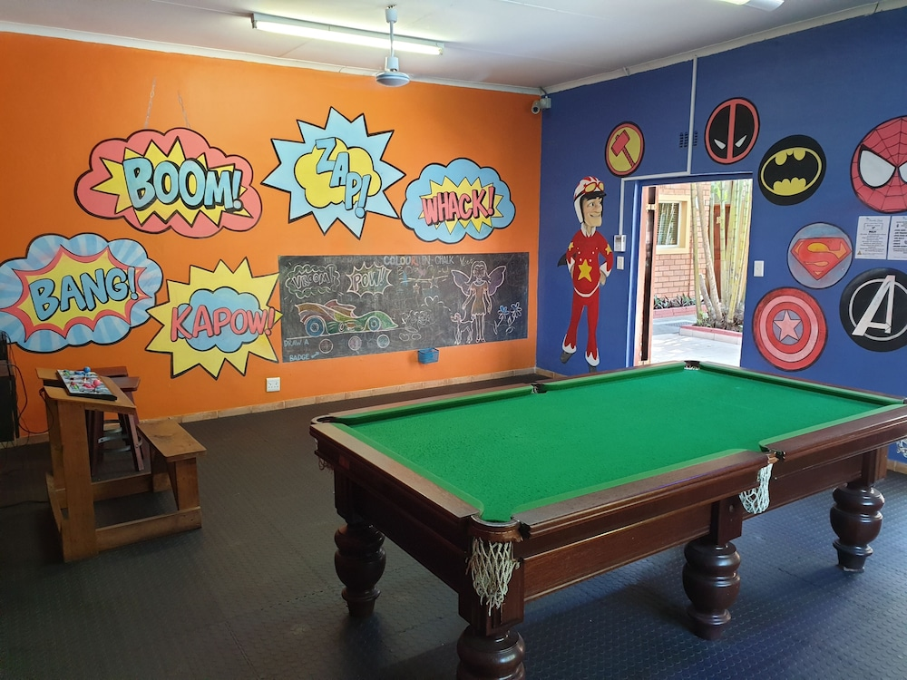 Game Room, Sandy Place