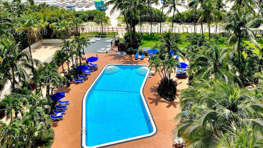 Radisson Hotel Miami Beach