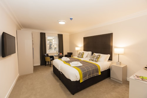 Dalkeith Apart Hotel Twin Bedroom
