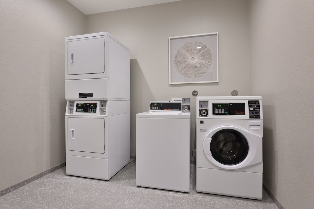 Laundry Room, Holiday Inn Express & Suites Houston North - Woodlands Area