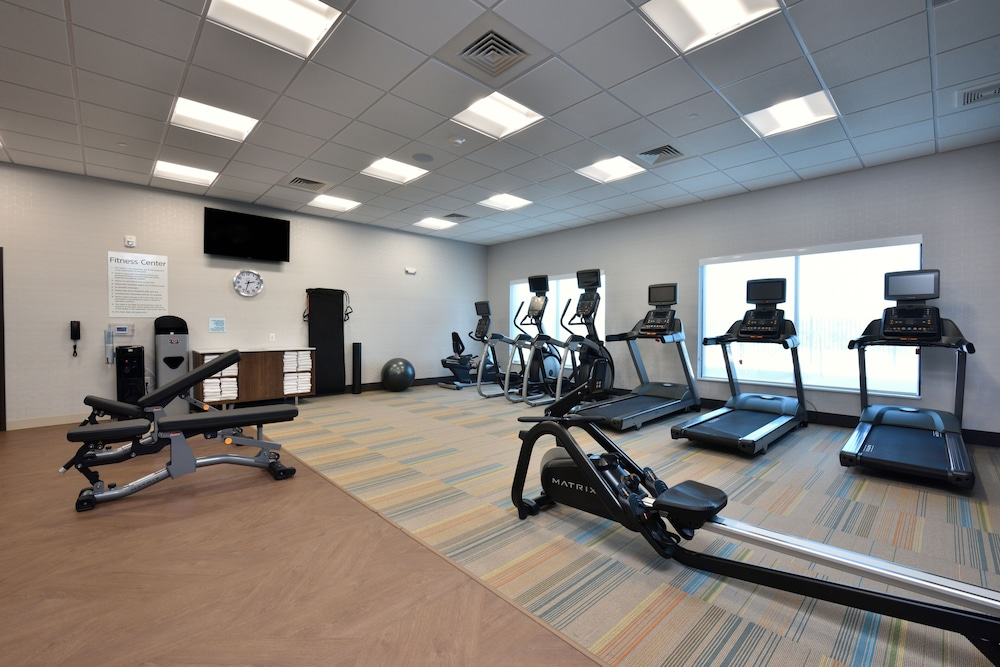 Fitness Facility, Holiday Inn Express & Suites Houston North - Woodlands Area