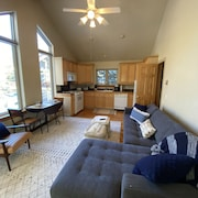 One Bedroom in Vail on bus Route