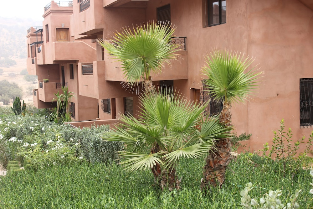 Property Grounds, Surf & Relaxation Luxury Apartment in the Middle of Argan Trees ....