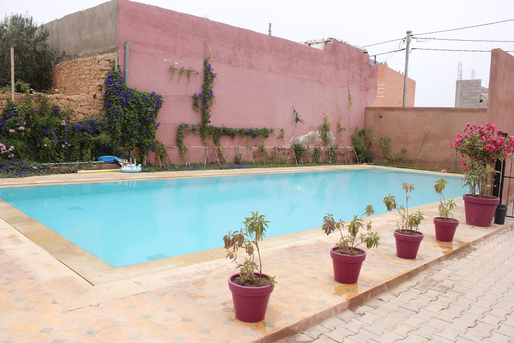 Pool, Surf & Relaxation Luxury Apartment in the Middle of Argan Trees ....