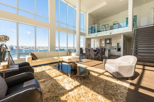 Simply Comfort Luxury Ocean View Penthouse