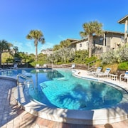 Sea Dunes Beachside Condo - Sunny Daze Townhome - Green Turtle B6 Down