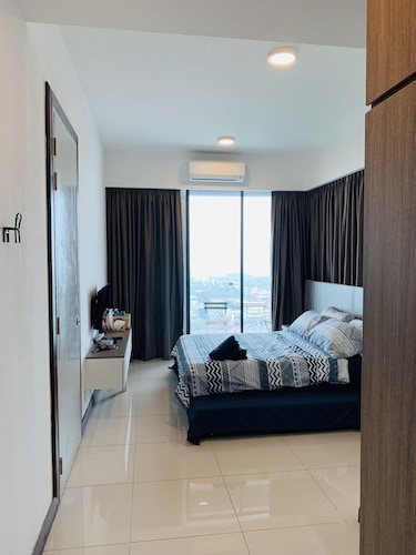 D'wharf Residence @ PD Waterfront Family Deluxe Suite by AirPlan