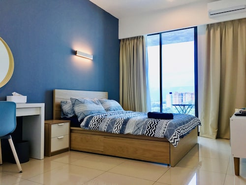 D'wharf Residence @ PD Waterfront Family Max Suite by AirPlan