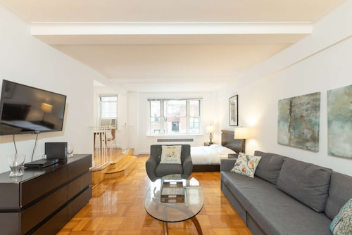 Luxury Studio UES Prime Location! Madison 5249!