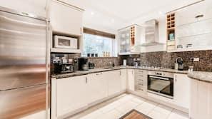 ตู้เย็นขนาดใหญ่, ไมโครเวฟ, เตาอบ, เครื่องล้างจาน