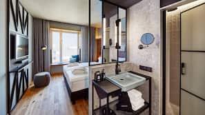 Daunenbettdecken, kostenlose Minibar, Zimmersafe