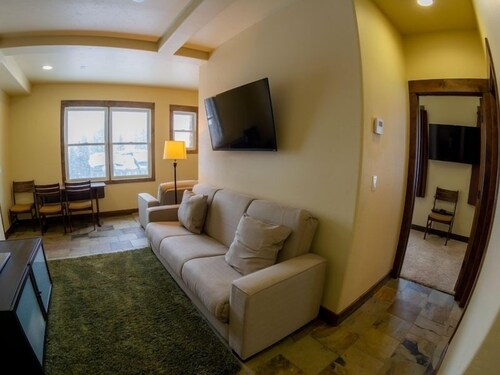 Caples 1 Bedroom Townhouse