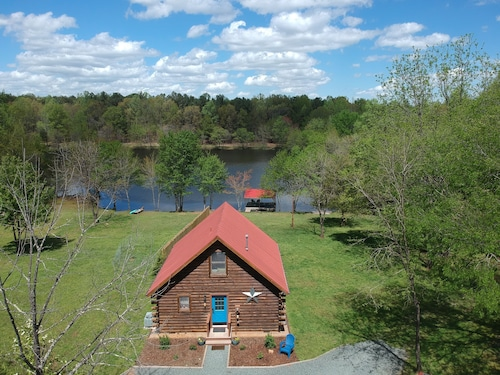 Log Cabin on 142 Acres/private Lake With Hiking/biking Trails