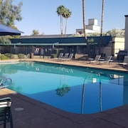 Large Two Bedrooms Two Bathrooms Condo in Scottsdale