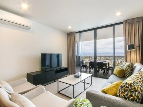 Brand New 2 Bedroom Unit With Amazing Hinterland Views