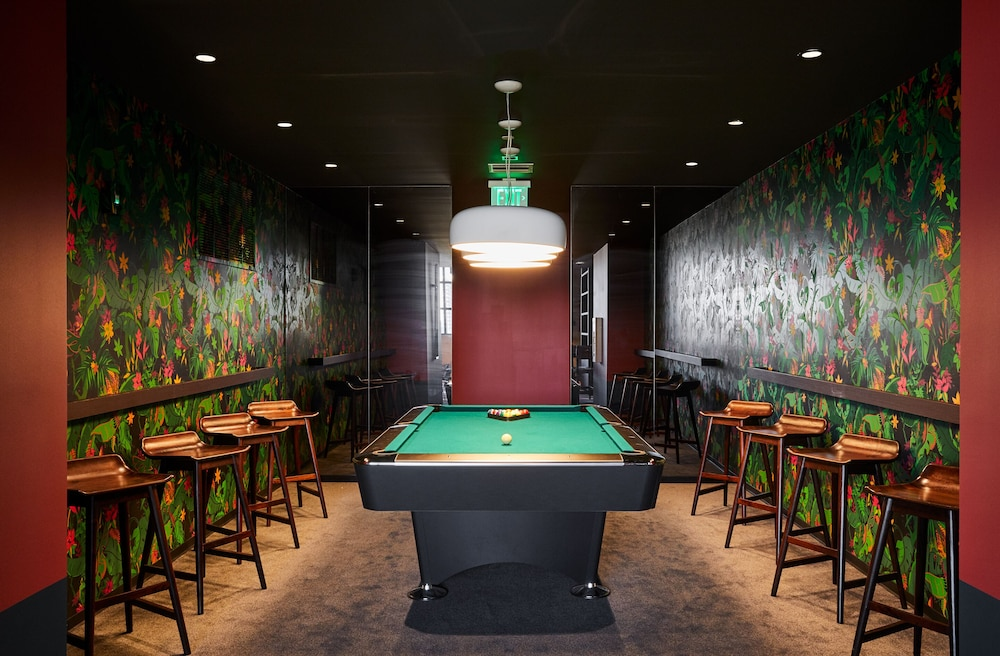 Billiards, The Bradley Wynwood