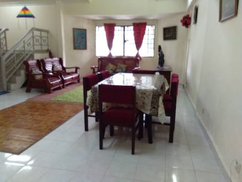 4 Bedrooms and 3 Bathrooms Holiday Penthouse Near Tanah Rata Town