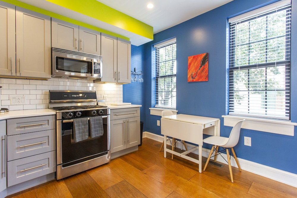 Private Kitchen, South Philly Dream Home - Live Like a Local