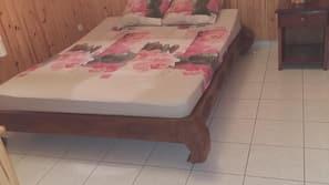 5 bedrooms, iron/ironing board