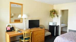 1 chambre, coffres-forts dans les chambres, fer et planche à repasser