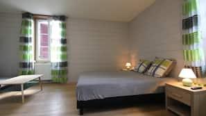 8 chambres, fer et planche à repasser, accès Internet, draps fournis
